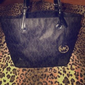 Micheal kors lather tote
